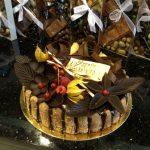 Belle-Helène : Mousse poire, chocolat, poire, caramel.