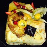 Le Courchevel (Février) : Mousseline framboises et biscuit recouvert de crêpes